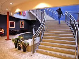 सीढ़ियां और महिला के लिए इमेज परिणाम