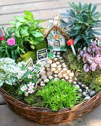 outdoor fairy garden. i can\u0027t even begin to tell you how much fun had creating this tiny garden! outdoor fairy garden n