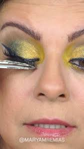 video tutorial on how to put on fake eyelashesl for the eye shadow makeup