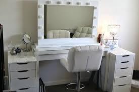 bedroom vanity with lights – chaitanyamahilasangam.online