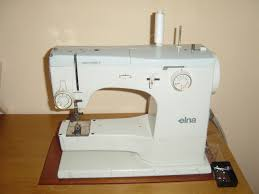 Scrappy Happy Starfishy: Meet Mabel, She's My Supermatic Sewing ... & Meet Mabel, She's My Supermatic Sewing Machine Adamdwight.com