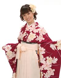 袴コーディネート卒業式の袴レンタルと髪型