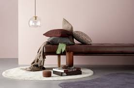 boconcept has updated the accessories collection for spring summer 2018 with new pieces in dusty rose bold brass and calming blues