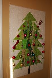 Buzzing and Bumbling: Quilted Christmas Tree Wall hanging & Quilted Christmas Tree Wall hanging Adamdwight.com