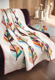 Feathers quilt by Jo Avery for issue 9 of Love Patchwork ... & Feathers quilt by Jo Avery for issue 9 of Love Patchwork & Quilting magazine Adamdwight.com