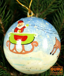 upcyceling christmas baubles made of