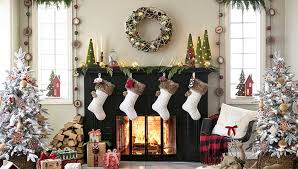 38 Christmas Mantel Decorations - Ideas for Holiday Fireplace Mantel  Decorating