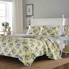 Laura Ashley Linley Reversible 3-piece King-size Quilt Set - On ... & Laura Ashley Linley Reversible 3-piece King-size Quilt Set Adamdwight.com
