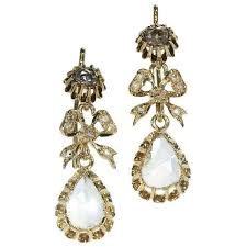 gold antique victorian chandelier earrings with big pear shaped rose cut diamonds 1870