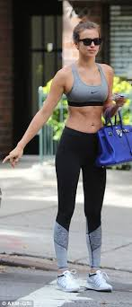 Pin Leggings Irina 2019 Anderson Fitness Shayk In Shayk On Style Fashion By Ismael