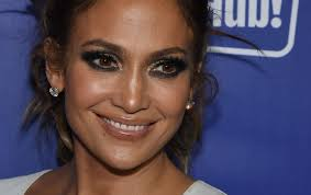 jennifer lopez looks way diffe without any makeup on video