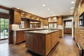 Oak Floor Kitchen White Kitchen Cabinets Oak Floor Quicuacom