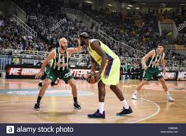 Chris Singleton (6) vs Nick Calathes (33) during the 2018/2019 Turkish  Airlines EuroLeague Regular Season Round 8 game between Panathinaikos OPAP  Athens and FC Barcelona Lassa at Olympic Sports Center Athens Stock Photo -  Alamy