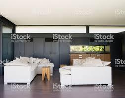 Moderne Wohnzimmer Mit Wet Bar Stockfoto Und Mehr Bilder Von