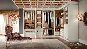 Luxury Walk In Closet Bespoke And Accessorized Walk In Closet Bedroom Bella Vita