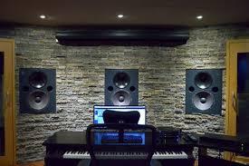 <b>Профессиональные усилители мощности</b> Neva Audio