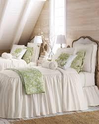 28 l queen hampton bedspread