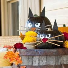 Easy and Cheap Halloween Decorations - Invitd - Invitations and RSVPs by  Text Message