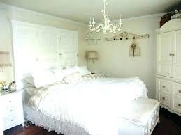 white bedroom chandelier modern bedroom chandelier kitchen bedroom chandeliers wood and bronze chandelier modern mid white white bedroom chandelier
