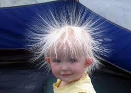 Uovo di donna svedese + seme di elettricista - Bimbo_con_capelli_ritti