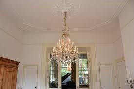 Antike Kristall Kronleuchter In Einem Herrenhaus