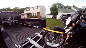 √ Motorcycle Loaders For Pickup Trucks, Cruiser Ramp Powered ...