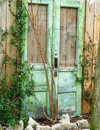 03 garden feature from old door woohome