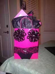 bachelorette gift bag hilarious hahahahhahahaha zhana hubbard lauren grace carter i will make this for your bachelorette partys