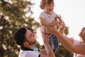 Somos padres y madres presentes o ausentes? - APIR