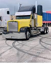 900 Freightliner Pictures Ideas Freightliner Freightliner Classic Freightliner Trucks