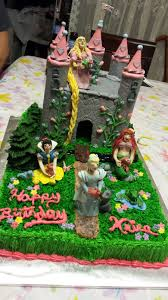 My First Disney Princess And Castle Cake My Niece Had Tons Of Fun