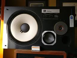 jbl l100. this is the second of two speakers to have crossovers replaced. decided take pictures time. jbl l100