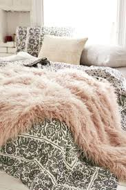 faux fur duvet cover uk lynx faux fur duvet cover set king size faux fur duvet cover single invest in at least one ridiculously luxe blanket for your bed