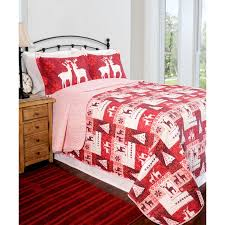 233 best Christmas Bedroom deco images on Pinterest | Bedrooms ... & Crafted of polyester and microfiber, this timeless set is conveniently  machine washable. This Christmas spirit quilt s Adamdwight.com