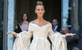 8 самых ярких выходов Селин Дион на Неделе моды в Париже ...