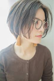 ショートボブはストレートで楽しむヘアスタイルで大人女子は変わる