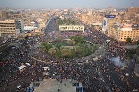 """تصاعد وتيرة احتجاجات العراق.. وساحة التحرير تشهد """"أكبر تجمع"""""""