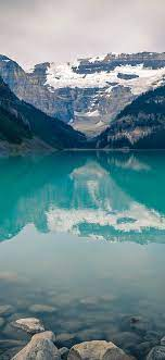 mk48-canada-lake-louise-green-water-nature