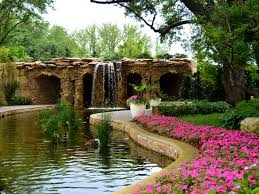 the dallas arboretum and botanical garden is a world class outdoor oasis minutes from downtown dallas featuring 19 finely manicured gardens
