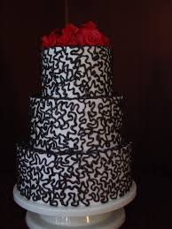 Black And White Wedding Cake With Red Roses Idea In 2017 Bella