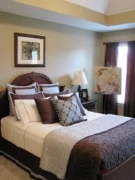 decorating small rooms in brown hgtv2502844 smartchicbedrooms blue brown  bedroom s3x4 lg
