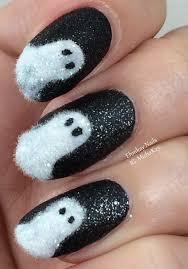 ehmkay nails: Fuzzy Ghost Halloween Nail Art
