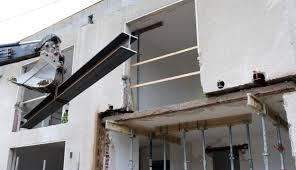 Ich moechte meine wohnung renovieren und moechte vom wohnzimmer einen durchbruch zum dachboden machen damit kann mir jemand sagen wer diesen deckendurchbruch macht? Wanddurchbruch Net Wand Und Deckendurchbruche