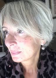 Coiffure Courte Femme 60 Ans Cheveux Gris Coiffure Femme 55