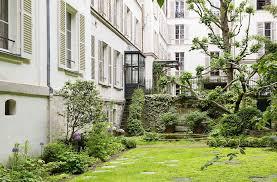 Americans in Paris: A Very Private Garden on Rue du Bac - Gardenista