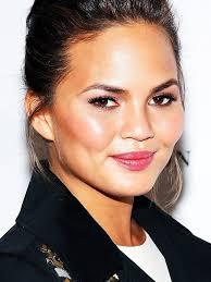 chrissy teigen s makeup artist tells us how to get her glowing skin