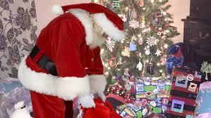 best ideas about Tropical Christmas on Pinterest   Mini christmas tree   Diy shops and Coastal christmas IHG