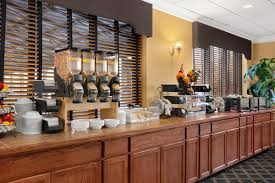 days hotel williamsburg busch gardens area. Simple Days To Have An Agent Help You Get The Perfect Williamsburg Vacation Package  Call Rooms101 At 800 7494045 Inside Days Hotel Busch Gardens Area