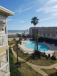 Ocean view updated condo sleeps 6 w/ amenities. Babe's Beach across the  street - Galveston