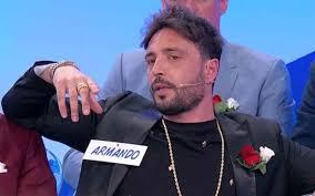 Anticipazioni Uomini e Donne: Armando e Veronica lasciano lo ...
